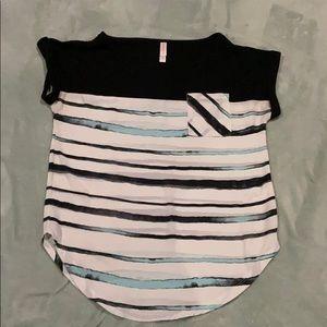 Xhilaration summer flow t-shirt. Size XS